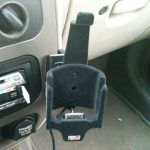 iPhone im PT Cruiser_4